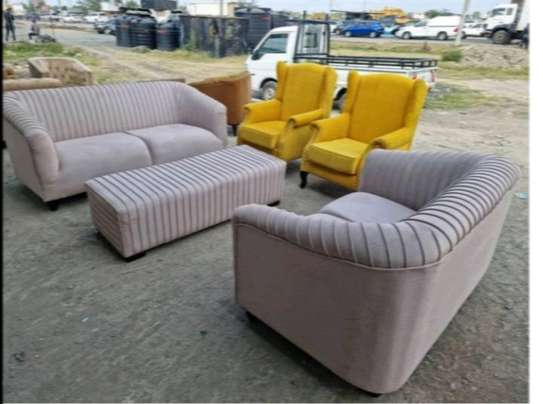 7 SEATER 3,2,1,1 SOFA AND PUFF image 1