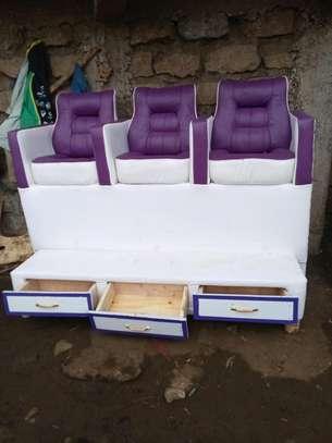 Pedicure seats image 3