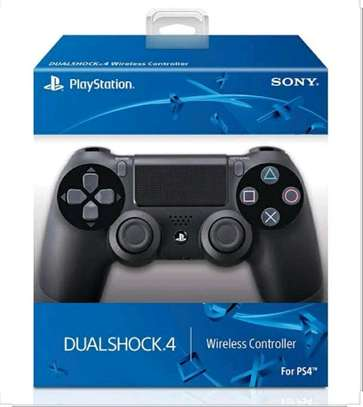 ps4 dual shock image 1