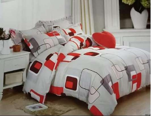 red patterned 6by6 warm duvet image 1