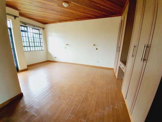 5 bedroom house for rent in Lavington image 9