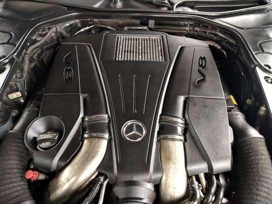 Mercedes Benz - S-Class image 9