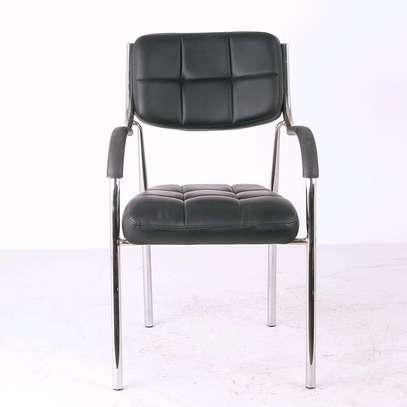 Armrest visitor chair B08F image 1
