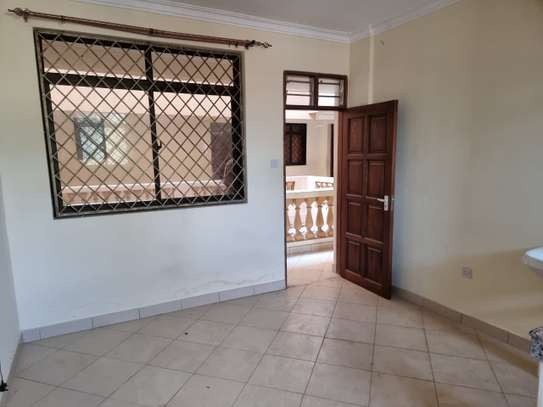 2 br apartment for rent in mtwapa. AR75 image 1