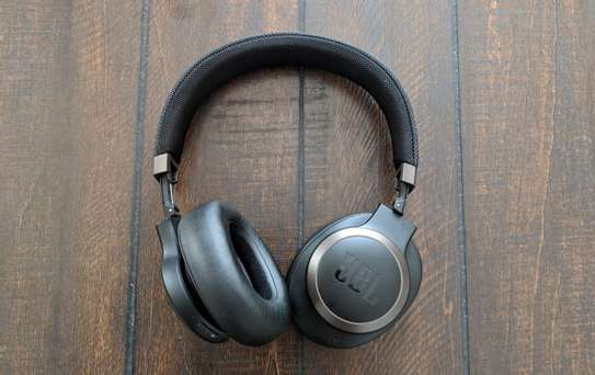 JBL LIVE 650BTNC Wireless Over-Ear Noise-Cancelling Headphones image 2