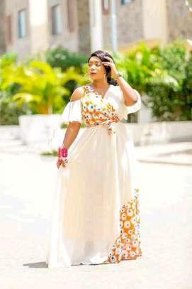 Catchy dresses image 1