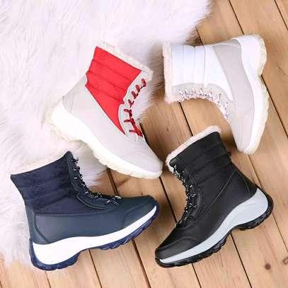 Ladies Sneakers image 12