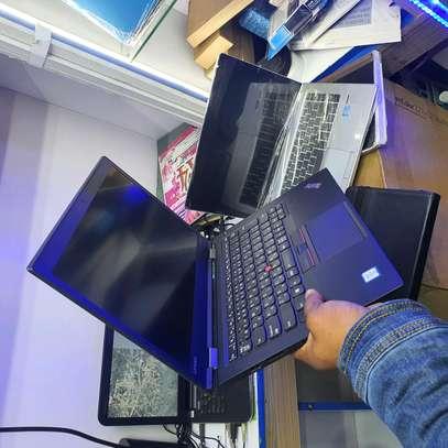 Lenovo thinkpad x1. core i5. 8gb ram. 256gb ssd image 3