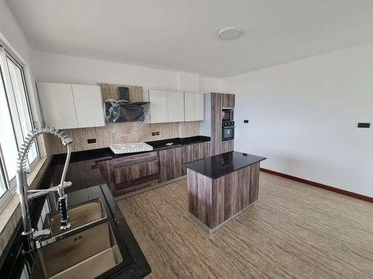 5 bedroom apartment for rent in General Mathenge image 6