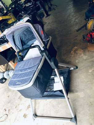 Diono Quantum2 Carrycot And Travel Stand. image 2