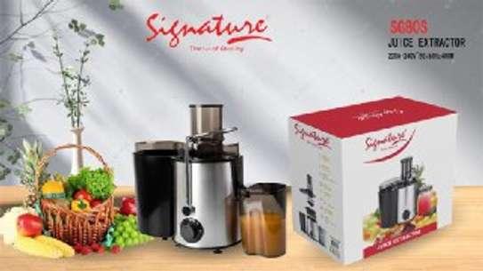 Signature Electric Juice Extractor/juicer image 1