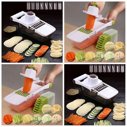 8 In 1 Vegetable Grater