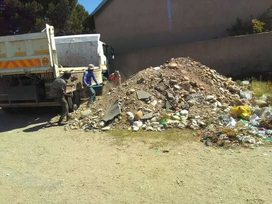 Rubbish, garbage and garden waste removals!Cleaning & Domestic Workers image 2