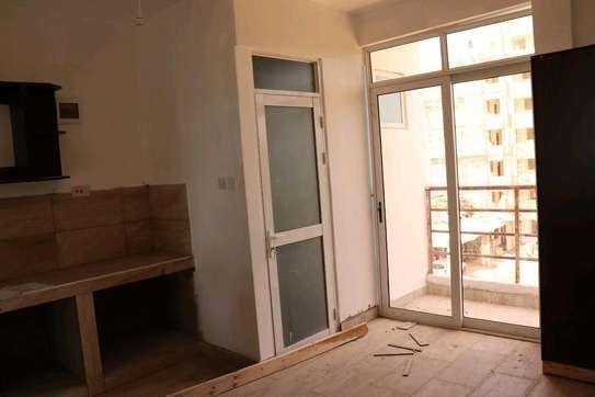 studio classy apartment image 2