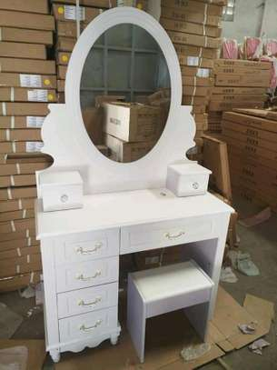 Executive dressing mirrors