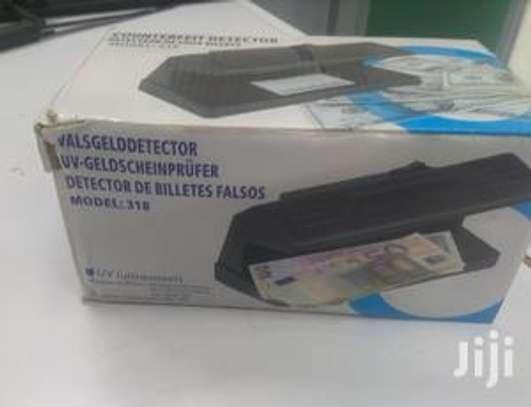 Counterfeit Money Detector image 1