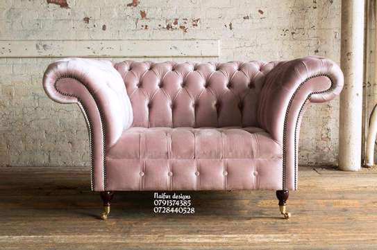 Chesterfield sofas/Victorian Chesterfield sofa/one seater sofa image 1