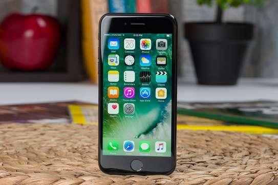 iPhone SE 2020 image 4