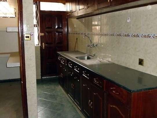 3 bedroom house for rent in Kileleshwa image 5