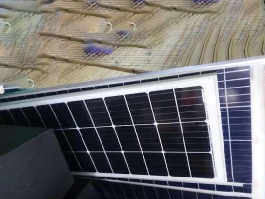 200 watts solar panel image 1