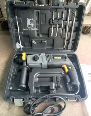 Finder 800W Industrial Hammer Drill with Accessories image 1