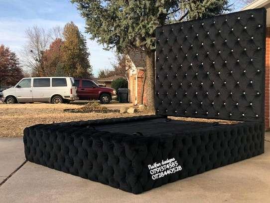 Modern beds/black tufted king size beds image 1