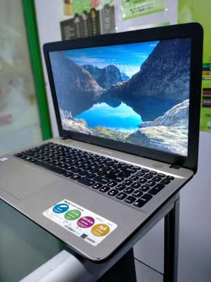 Asus Vivobook image 2