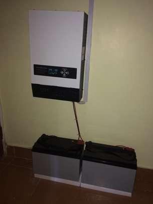 Roomny LS Hybrid inverter charger 1KW/ 24V image 2