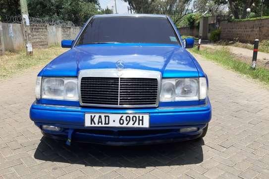 Mercedes-Benz 260 E image 2