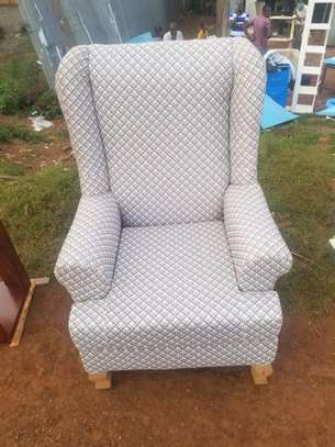 Sofa single image 1