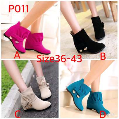Ladies ankle length velvet boots image 2