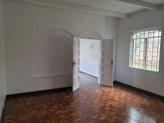 3 bedroom house for rent in Muthaiga Area image 13
