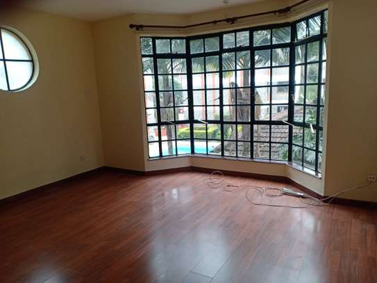 ELEGANT 3 BEDROOM ALL ENSUITE APPARTMENT WITH DSQ IN KILELESHWA image 10