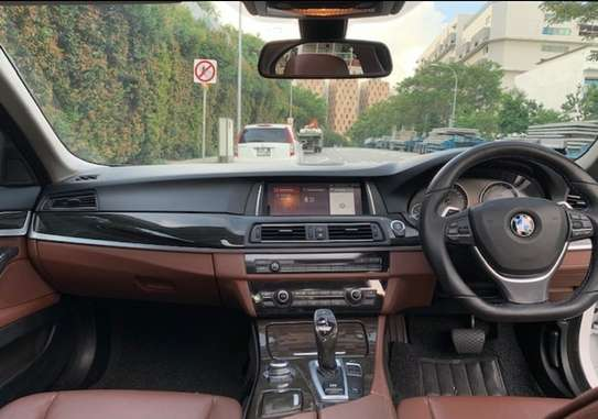 BMW 520i 520i Touring Automatic image 5