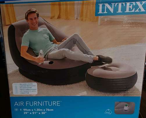 INTEX INFLATABLE SEAT WITH FOOT REST image 1