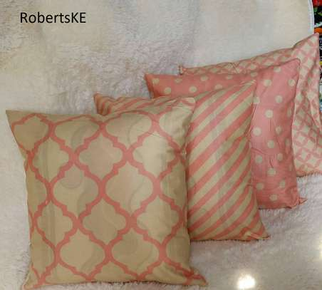 relax on a throw [pillow image 1