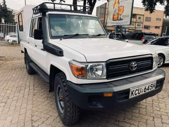 Toyota Land Cruiser image 4