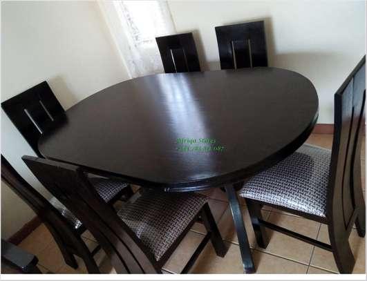 Oval mahogany dining table image 2