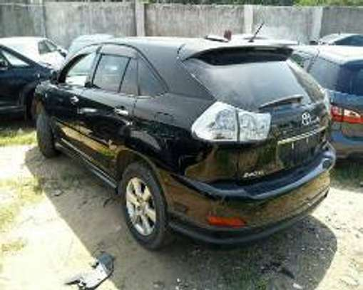 Toyota Harrier image 7