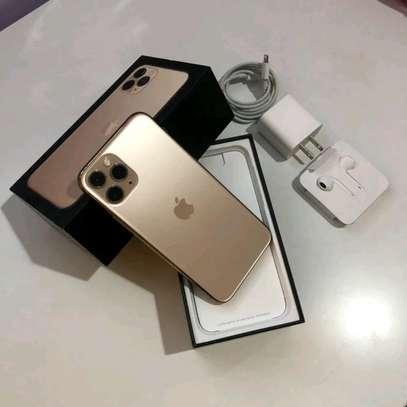 Apple Iphone 11 Pro : 512 Gigabytes Gold image 1