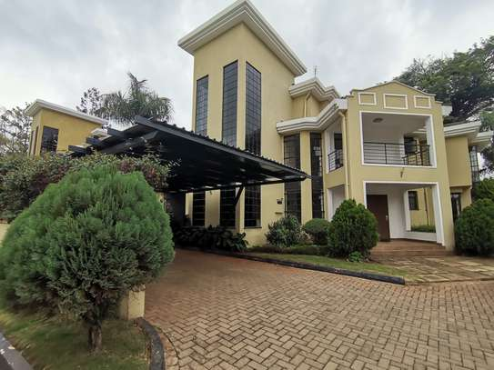 AN OUTSTANDING AND AFFORDABLE THREE STOREY 5 BEDROOM TOWNHOUSE image 3