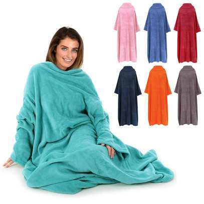 Fleece blanket with sleeves, keep away the cold as you watch netflix image 4