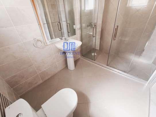 3 bedroom apartment for rent in Rhapta Road image 13