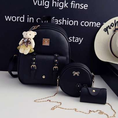 GET FASHIONABLE BAGS image 2