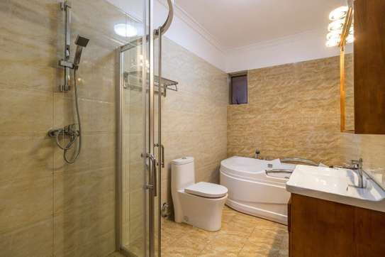 Furnished 4 bedroom apartment for rent in Kilimani image 9