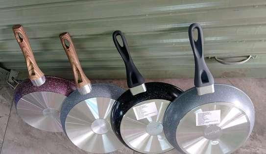 *28cm frying pan image 3