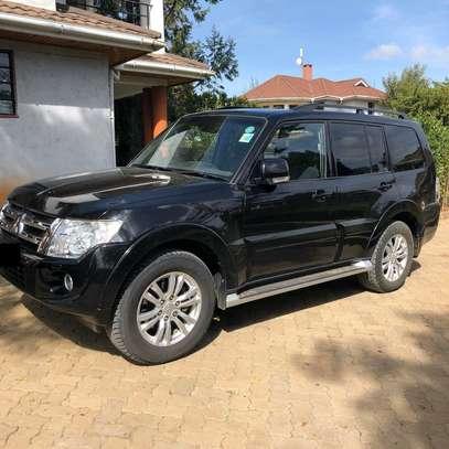 2013 Black Mitsubishi Shogun image 5