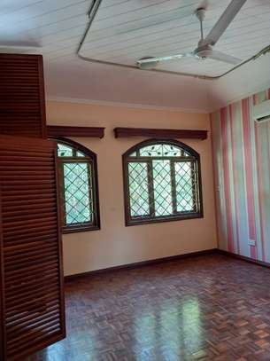 5 bedroom townhouse for rent in kizingo image 5