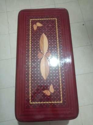 Sleek beautiful sitting room table. image 2