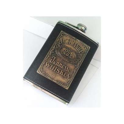 Stylish Stainless Steel Leather Top Hip Alcohol Whisky Flask image 2
